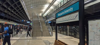 1200px-Macquarie_University_Station_02